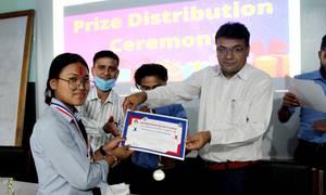 गौतम वुद्ध रंगाशाला च्यारिटि सुपर सिक्स क्रिकेट टुर्नामेण्टमा विजयी समूहलाई पुरस्कार