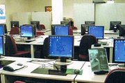 Computer lab at Phoenix College of Management